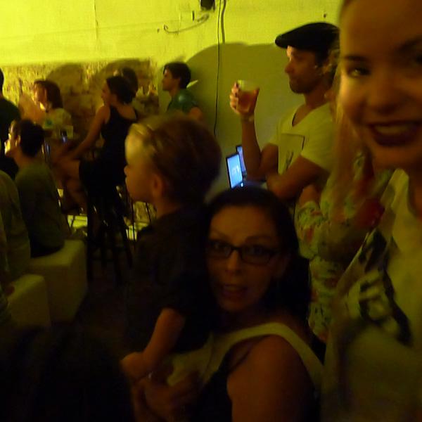 Nina Wicks, Suzana Costa e Rocco, lindo!