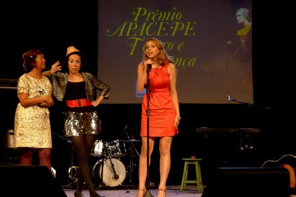 Atuação de Bruna Castiel foi destacada em peça com texto de Luís Augusto Ries