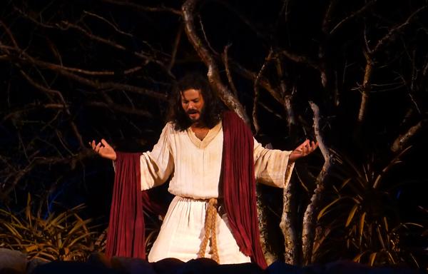 José Barbosa interpreta Jesus pelo segundo ano