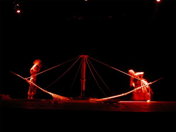 O terceiro dia foi o primeiro espetáculo do Engenho de Teatro. Foto: Engenho/Divulgação