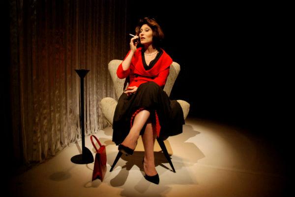 Atriz Beth Goulart como Clarice Lispector
