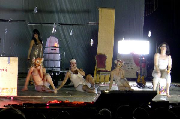 Luis Antonio - Gabriela faz mais uma apresentação neste domingo, às 20h, no Teatro de Santa Isabel. Foto: Ivana Moura