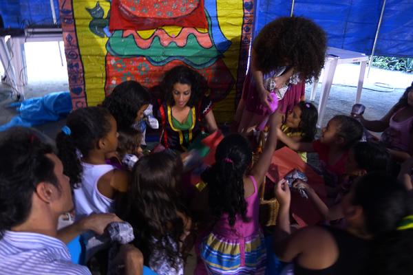 Crianças ajudam a realizar o sonho de Joana