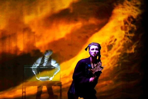 Companhia italiana Teatro Portlach apresenta o espetáculo no Recife, de hoje a domingo, na Caixa Cultural