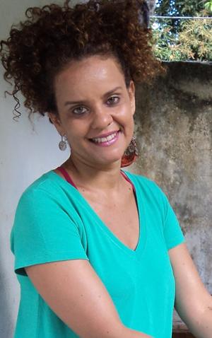 Márcia Cruz resolveu abrir as portas de sua casa para o teatro