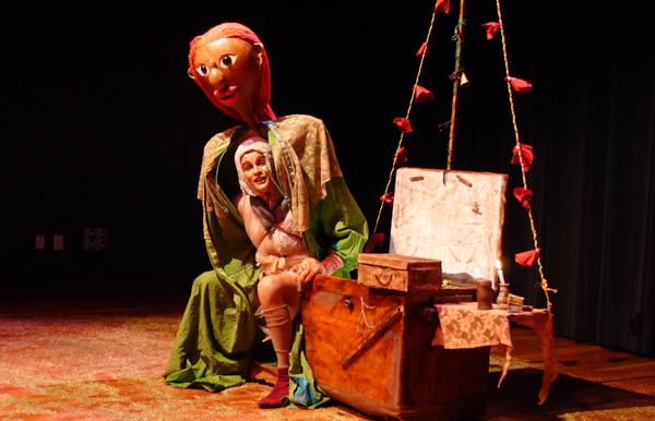Odília Nunes, que ano passado participou da circulação do Palco com a Duas Companhias, estreou Cordelina. Foto: Pollyanna Diniz