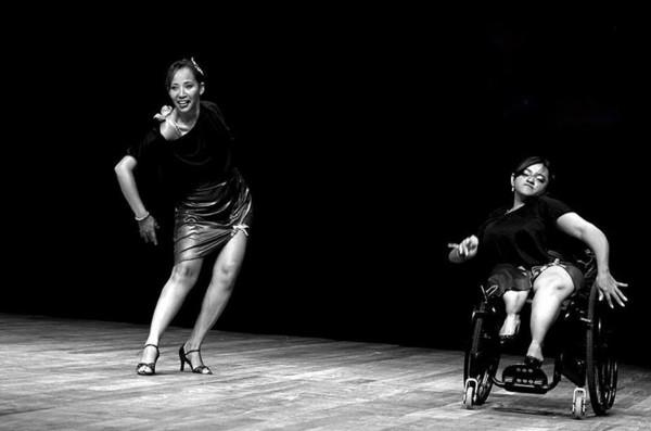 Andantes e cadeirantes podem participar da Oficina de Iniciação à Dança em Cadeiras de Rodas