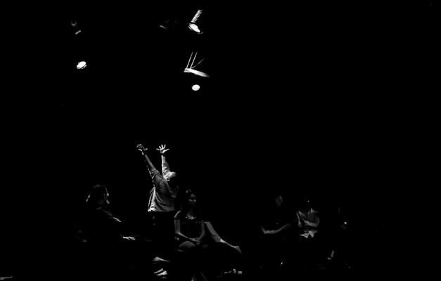 Espectadores viram testemunhas privilegiadas da intimidade. Foto: Humberto Araújo.