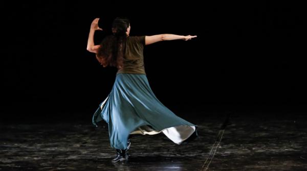 2 Mundos, espetáculo de Mariana Muniz, foi destaque no Festival Internacional de Dança. Foto: Andréa Rêgo Barros/PCR