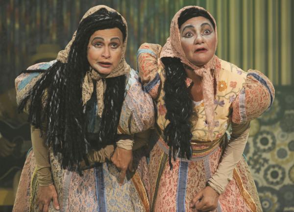 Atrizes Zuleika Ferreira e Celia Regina no espetáculo Sebastiana e Severina. Fotos: Pedro Portugal