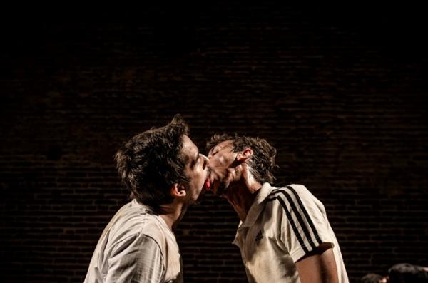 Mário Sergio Cabral e Pedro Wagner ensinam a beijar