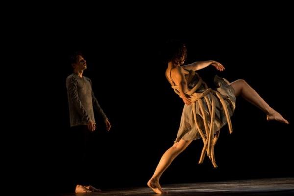 Dança e arquitetura se cruzam em espetáculo experimental[
