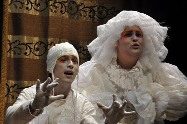 Versão da Cênicas Cia de Repertório, do Recife, da peça mais popular de Maria Clara