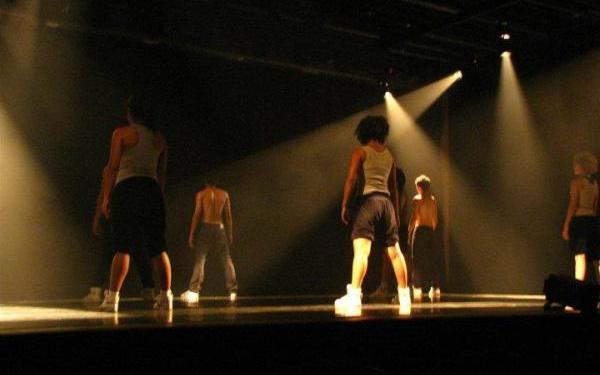 Cia. Dançurbana questiona conceitos de originalidade na dança. Foto: Divulgação