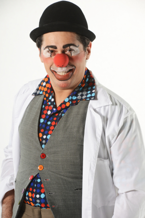 Arilson Lopes é mais conhecido nos hospitais como Dr.Ado. Foto: Léo Caldas