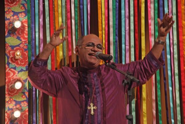 Normando Roberto Santos (Padre Timóteo) em A Mandrágora