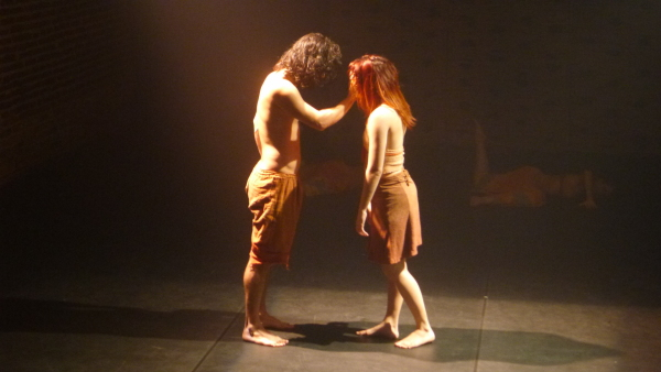 Coreografia é assinada pelo ator e bailarino Juan Guimarães