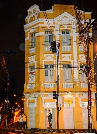 Teatro fica na esquina da Princesa Isabel com a Rua da Aurora