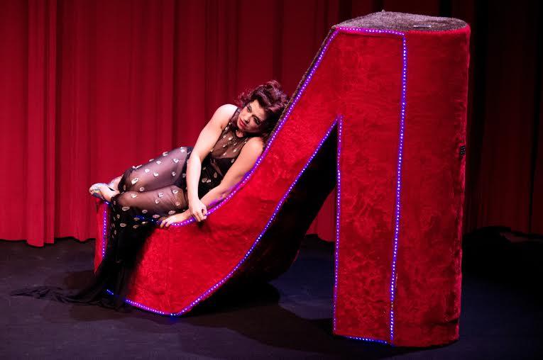 Espetáculo conta história da travesti Dolores Maria