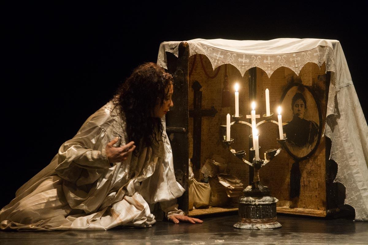 Espetáculo é inspirado na vida e obra de Juana Borrero