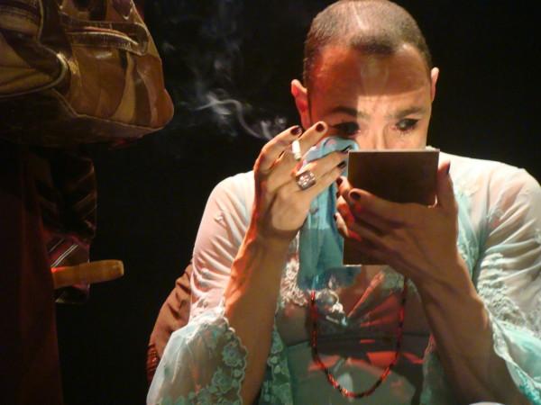 O ator Rodolfo Lima vive Alice. Foto: Tatiane Carcanholo