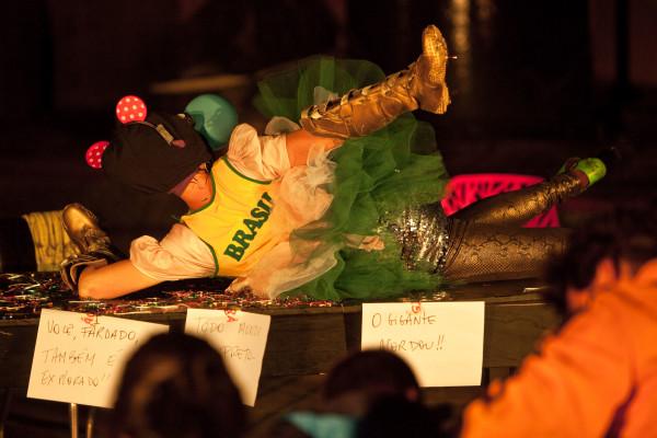 Performance de Estela Lapponi