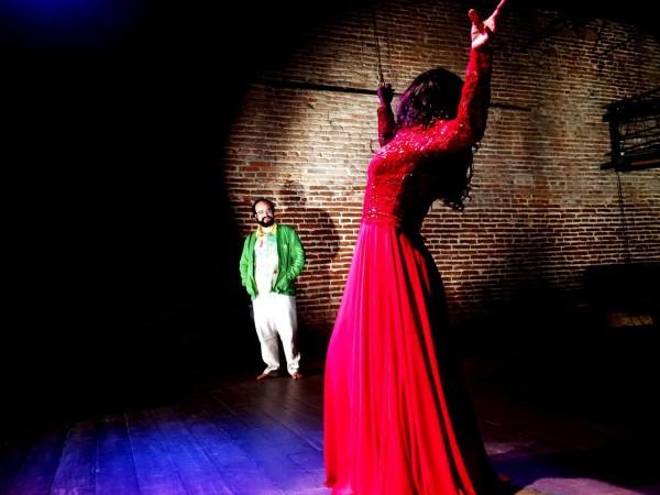 Com temática LGBT, peça mostra o lado humano e sentimental de personagens ainda estigmatizados