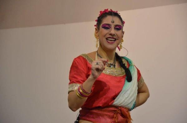 Zuzu Leiva, atriz, cantora e bailarina. Foto: Reprodução do Facebook