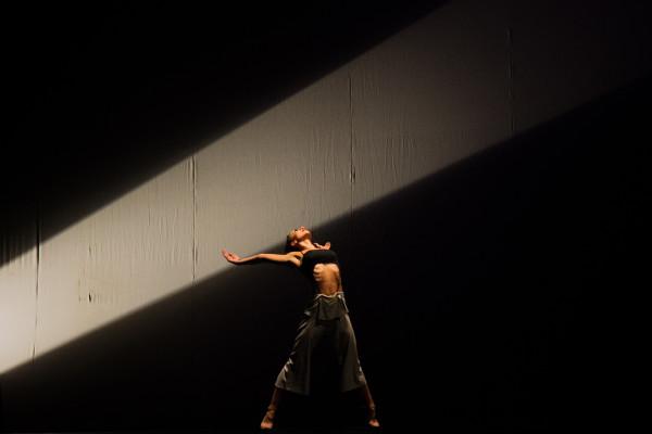 Coreografia Trânsito, com o Balé Teatro Guaíra (PR). Foto: Cayo Vieira