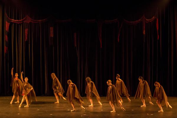 Epílogo, com o Grupo de Ballet Stúdio de Danças. Foto: Rogério Alves