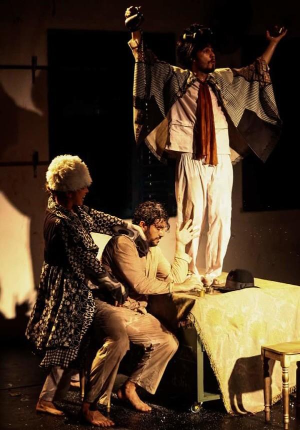 Espetáculo Alegria de náufragos (ou A Capacidade de Suportar), com o Ser Tão Teatro (PB),. Foto: Rafael Passos