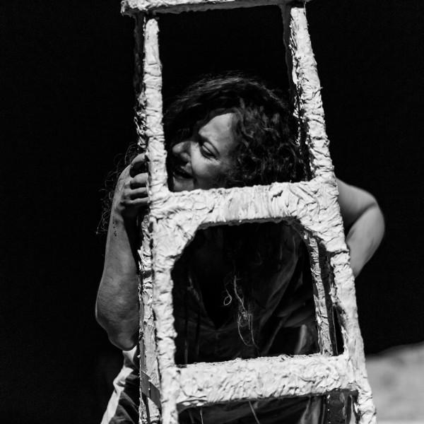 Há quase vinte anos a atriz Ceronha Pontes anda as voltas com Camile Claudel