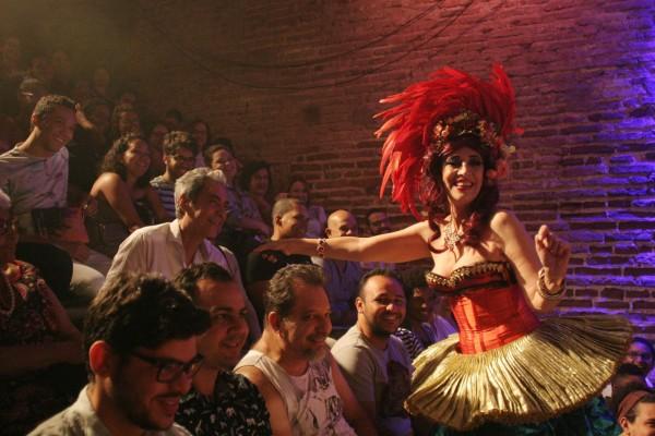 Stella Maris Saldanha na cena de plateia. Foto: Ana Araujo /Divulgação