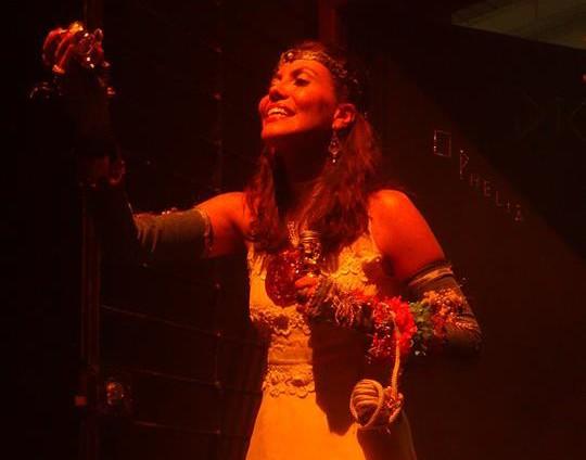 Pollyanna Monteiro em Ophelia. Foto Aline Rodrigues