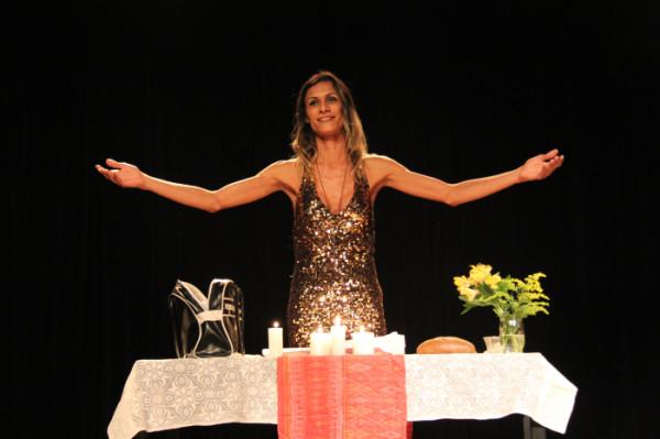 O Evangelho, com Renata Carvalho. Foto: Lilian Fernandes