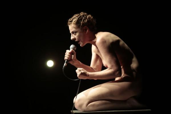 Christiane Tricerri faz duas apresentações gratuitas no Festival de Teatro do Agreste – FETEAG. Foto: Gal Oppido