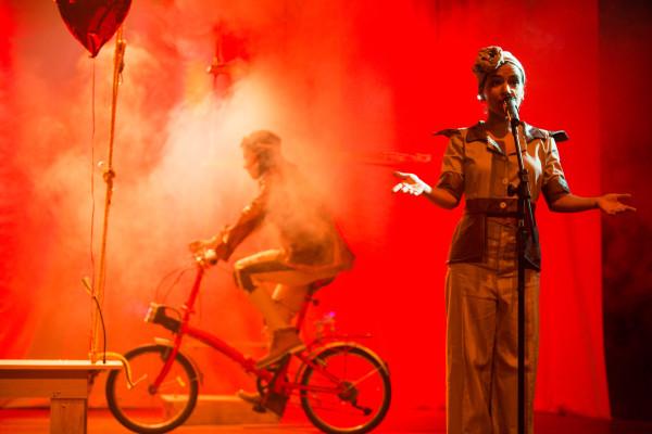 Para o Menino-Bolha faz duas sessões para o público em geral. Foto: João Milet Meirelles