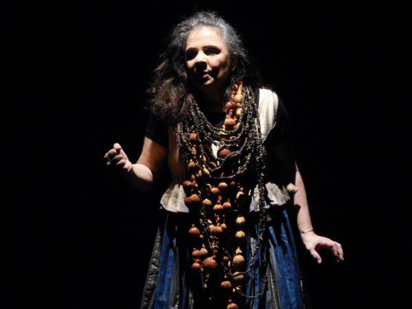 Augusta Ferraz em MEDEAponto. Foto: Alcides Ferraz/Divulgação