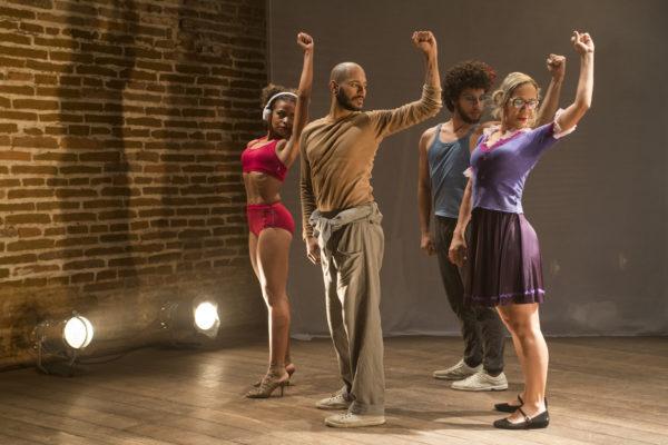 Acupe Grupo de Dança. Foto: Rogerio Alves / Sobrado 423