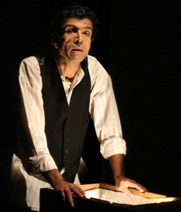Carlos Paulo. Foto: Comuna Teatro de Pesquisa