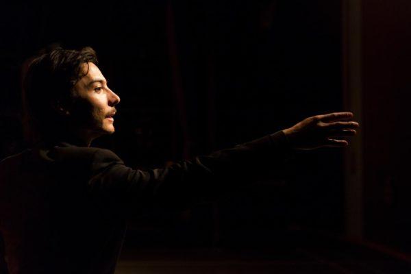 A peça tem direção de Márcio Aurélio. Foto: Fernando Stankus / Divulgação