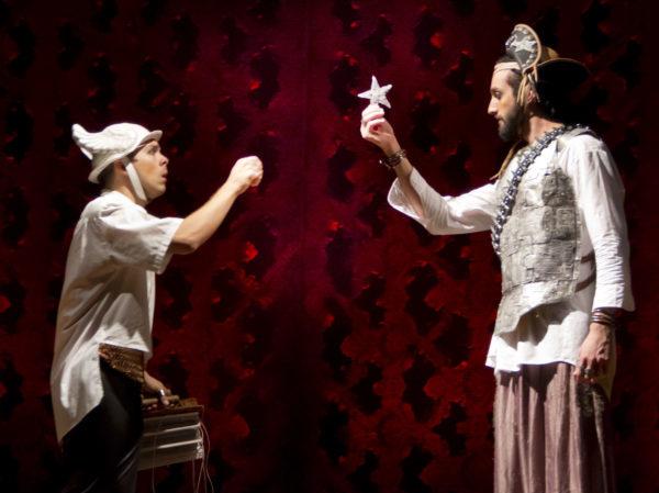 Na peça de João Falcão tem encontro inventado como entre Gonzaga menino e Lampião. Foto: Magali Moraes / Divulgação