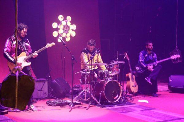 Banda formada por Juliano Holanda, Marcondes Lima. Foto: Mery Lemos/ Divulgação