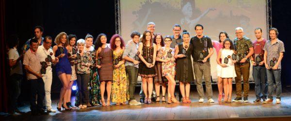 Ganhadores do Prêmio Apacepe de Teatro e Dança de 2017. Foto: Pedro Portugal / divulgação