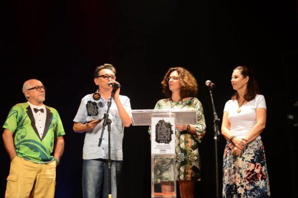 José Manoel recebeu prêmio especial da Apacepe.