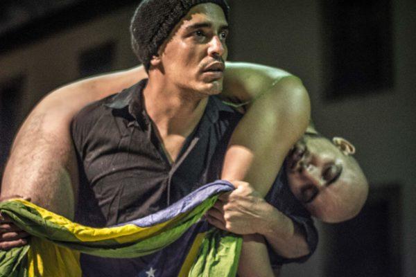 Junior Aguiar e Márcio Fecher em H(Eu)Stória - O Tempo Em Transe