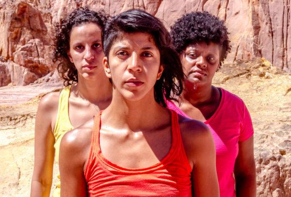 Trupe Ensaia Aqui e Acolá estreia Machuca, com relatos reais sobre a violência contra a mulher. Foto: Bella Valle
