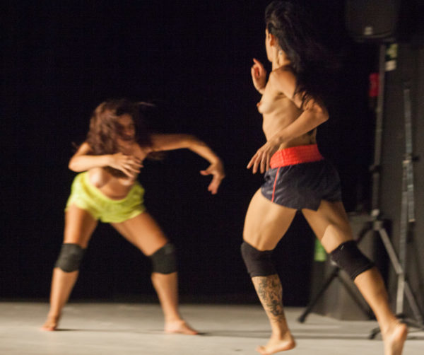 Performance destaca como se manter vivo e digno