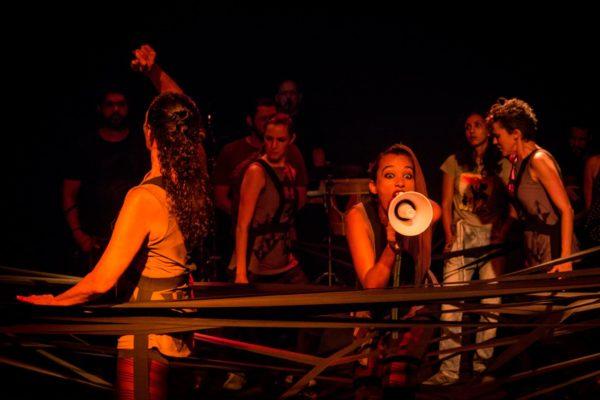 Nem Tente, com o Grupo Totem, direção de Fred Nascimento. Foto: Divulgação