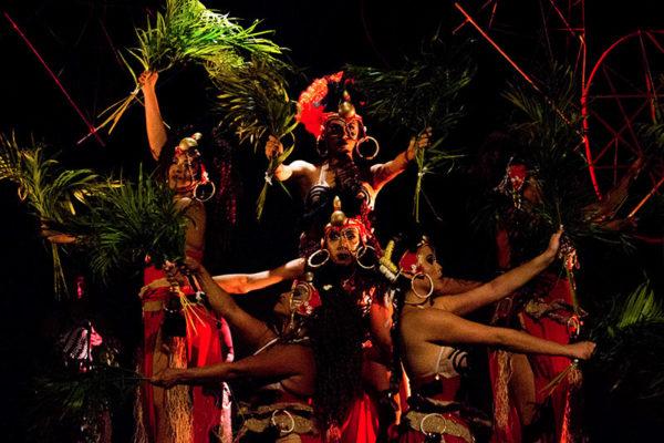 Espetáculo Majho Majhobê Olubajé da Cia. PéNambuco de Dança. Foto Gláucia Bruce